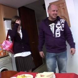 Mi fiesta sorpresa, la primera vez que me como tres pollas y mi t�a Marisa se une a la fiesta.